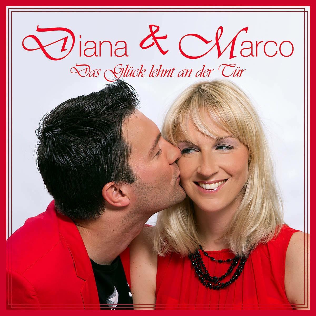 Diana & Marco-das Glück lehnt an der Tür